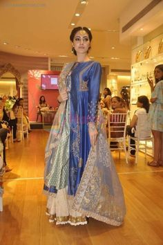 at Anju Modi showcases her bridal collection for AZA and the Vogue Bridal show in AZA on 24th June 2015 / Fashion Events - Hamara Photos
