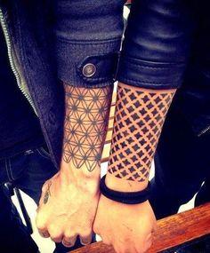 Increibles tatuajes geométricos y lineales