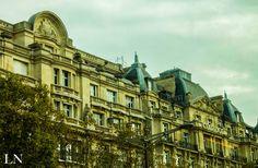 Paris buildings — Photo by LN (https://www.facebook.com/ln.rouze/)