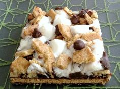 Come check out my 10 Advantages of Indoor S'mores over the campfire-kind. This homemade smores dessert recipe is great for parties or anytime.... Fabulous!