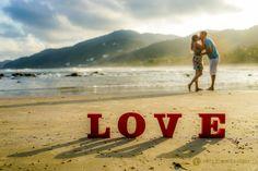 #savethedate #beach #love #sun #sunset #noivos #novios #preweddingphotoshoot #ensaioprewedding #precasamento #sonyimages #pordosol #a7ii #brprofessionalphotogrphers #amore #amour #amor #liebe #guaruja #praiasaopedro #brazil #weddingphotographer