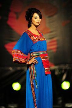 "Résultat de recherche d'images pour ""tenues berberes tesdira"""