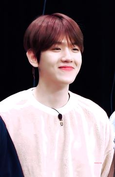 Uploaded by 🇧ᴸᴵᴳᴴᵀ. Find images and videos about kpop, gif and exo on We Heart It - the app to get lost in what you love. Baekhyun Chanyeol, Yugyeom, Got7, Chanbaek, Beautiful Asian Girls, Korean Singer, Boy Bands, Wattpad, Kpop