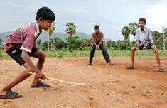 Rony: Here is a picture showing the children playing in a village […] Village Photography, Cute Kids Photography, Beauty Photography, Childhood Memories Quotes, Childhood Games, Happy Kids Quotes, Indians Game, Village Photos, Poor Children