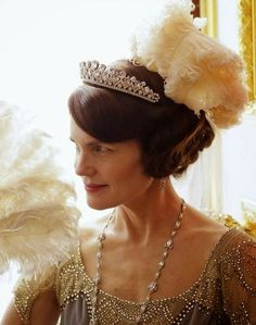 "'Lady Cora' in ""Downton Abbey"" / https://www.pinterest.com/soulchango/downton-abbey"