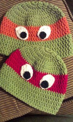 Knottz of Yarn: crochet Ninja Turtle hat pattern Crochet Kids Hats, Crochet For Boys, Crochet Beanie, Love Crochet, Crochet Crafts, Crochet Projects, Crocheted Hats, Crochet Minion Hats, Kids Crochet Hats Free Pattern
