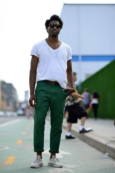 Mad Decent Société Perrier Street Style 4 Green for fall Stylish Men, Men Casual, Men's Street Style Photography, Urban Fashion, Mens Fashion, Afro Men, Afro Style, Masculine Style, International Fashion
