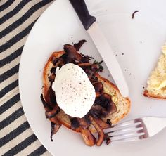 After watching cook show after cook show on television, I have gradually found myself developing odd, yet violent cravings for some of the random foods I have s Perfect Poached Eggs, Cravings, Food Porn, Cheese, Cooking, Ethnic Recipes, Cucina, Kochen, Koken