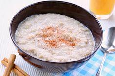 Dit lekkere receptje is niet alleen heel makkelijk om te maken, het is ook ideaal om restjes couscous in te verwerken! Het is dan zelfs nog sneller klaar dan in het recept staat, je hoeft de ingrediënten alleen maar op te warmen.