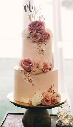 32 Jaw-Dropping Pretty Wedding Cake Ideas A delicious cake is the sweetest ending to a perfect wedding celebration. If you're looking for wedding cake inspiration, browsing through wedding cake pictures. Seminaked Wedding Cake, Pretty Wedding Cakes, Small Wedding Cakes, Fondant Wedding Cakes, Black Wedding Cakes, Wedding Cake Designs, Elegant Wedding Cakes, Wedding Rings, Gown Wedding