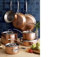 Pots And Pans Set What do you think of the colour? Pots And Pans Set Calphalon Tri-Ply Copper Cookware Set All-Clad Stainless-Steel Copper Pots, Copper Kitchen, Copper Cutlery, Cast Iron Cookware, Cookware Set, Copper Cooking Pan, Pots And Pans Sets, Pan Set, Fun Cooking