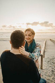 Love in Aveiro // Aveiro  engagement shoot // Costa Nova engagement shoot // Engagement shoot //  Helena Tomas Photography