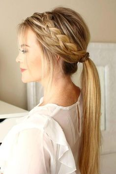 From the perky high ponytail to the trusty low ponytail to the ever-stylish braided ponytail, cute ponytail hairstyles are a dime a dozen. Find inspiration in these gorgeous and doable ponytail hairstyles. Cute Ponytail Hairstyles, Cute Ponytails, Trendy Hairstyles, Wedding Hairstyles, School Hairstyles, Braids Into Ponytail, Southern Hairstyles, Date Night Hairstyles, Simple Braided Hairstyles