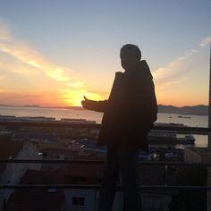 Atardecer en Vigo #sunset  #sun #pretty #beautiful #red #orange #pink #sky #skyporn #cloudporn #nature #clouds #horizon #instagood #gorgeous #warm #view #night  #silhouette #instasky #all_sunsets #Vigo #Me #nofilter
