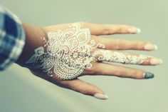 white henna #hand #mehndi