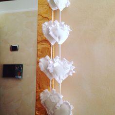 Cuoricini imbottiti a cascata da mettere ai lati delle tende/ai lati del letto/ai bordi di uno specchio o di una cornice