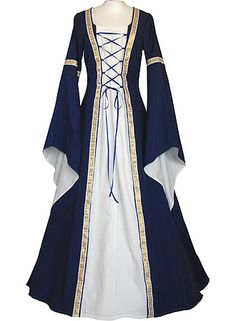 Yes please! I don't know where I'd wear it, but I totally would!!! :D dornbluth.co.uk - medieval dresses