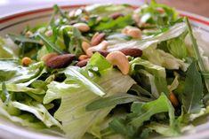 pähkinäinen vihersalaatti Celery, Spinach, Vegetables, Food, Essen, Vegetable Recipes, Meals, Yemek, Veggies