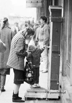 Waga (Katowice, ul. 3 Maja , ok. 1990 r.)