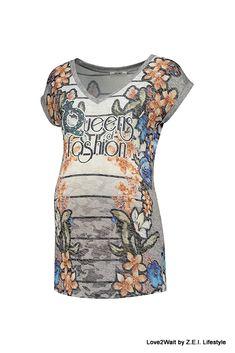 Flower geprint zwangerschapsshirt van L2W. Fris positieshirt met aansluitende pasvorm.  Zwangerschapskleding & positiekleding van het merk Love2Wait is hip, trendy, stoer en met een vrouwelijke touche... Top merk voor de modebewuste zwangere vrouw #zwangerschapskleding #positiekleding #love2Wait #L2W #2018 #Friesland #zwangerschap #Kleding #ZEIpositiekleding.nl #ZEILifestyle #voorjaar #zomer #Heerenveen #onlinekopen #gratisverzenden