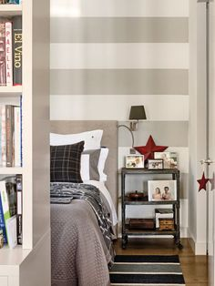 This Spanish apartment has a sunning open-plan design, a mini loft style which opens onto a charming garden in the city centre. Mini Loft, Casa Hipster, Hipster Home, Trendy Bedroom, Cozy Bedroom, Bedroom Decor, Bed Linen Design, Beautiful Bedrooms, Cozy House