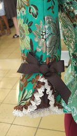 BLOG SOBRE INDUMENTARIA ACTUAL, HISTÓRICA , TODO LO RELACIONADO CON EL TEXTIL,E INTEGRACIÓN SOCIAL. Chudidhar Neck Designs, Kurti Neck Designs, Dress Neck Designs, Sleeve Designs, Kurti Sleeves Design, Sleeves Designs For Dresses, Neck Pattern, Pattern Sewing, Sewing Sleeves