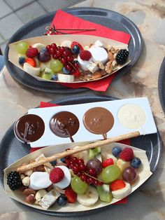 6 Easy Dessert Recipes You Can Eat Before Bed​ Fondue Recipes, Cooking Recipes, 15 Minute Desserts, Fondue Fountain, Delicious Desserts, Dessert Recipes, Fondue Party, Clean Eating Snacks, Chocolate Fondue