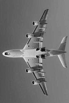 Photo of the bottom side of an Airbus A380
