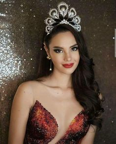 Miss Universe Philippines, Gray Instagram, Eye For Beauty, Simple Girl, Beauty Pageant, Grey Fashion, Timeless Beauty, Beauty Queens, Girl Crushes