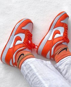 Sneakers Mode, Sneakers Fashion, Fashion Shoes, Shoes Sneakers, Shoes Heels, Nike Dunks, Nike Air Shoes, Aesthetic Shoes, Outfits