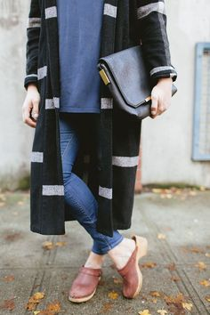 style // my layered look for Thanksgiving dinner � fashion and street style inspiration with a navy blue silk tunic top, black plaid duster coater, skinny denim jeans, vintage clogs, and black leather clutch. More style inspiration on Jojotastic.com
