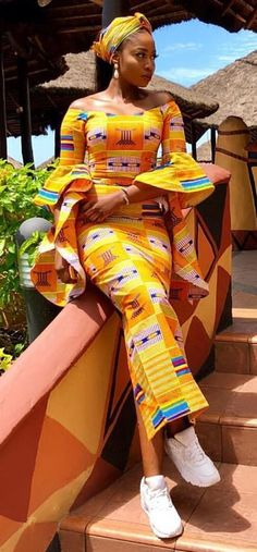 African Fashion Trends: Aso ebi kaba and slit style, modern african fashio. African Fashion Designers, African Inspired Fashion, African Dresses For Women, African Print Fashion, Africa Fashion, African Attire, African Wear, African Fashion Dresses, African Women
