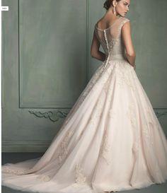 Prom dress $600 irs