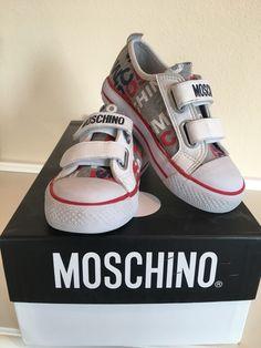 Mein Orig. Moschino Sneskers Gr.26 von Moschino! Größe 26 für 39,00 €. Schau´s dir an: http://www.mamikreisel.de/kleidung-fur-jungs/sneakers/33713849-orig-moschino-sneskers-gr26.