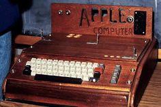 Jeden z prvých počítačov Apple predali v aukcii za pol milióna eur | Hardvér | tech.sme.sk