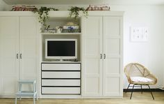 Yvonne's wardrobe with built-in TV cove, shelves and drawers is the perfect dual solution