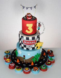 60 ideas for disney cars cake buttercream galleries Disney Cars Cake, Disney Cars Party, Disney Cars Birthday, Disney Cakes, Car Themed Parties, Cars Birthday Parties, 3rd Birthday, Cupcakes, Cupcake Cakes