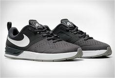 Fashion Men's Shoes. NIKE Sneakers. #menfashion #menshoes [http://www.pinterest.com/alfredchong/]