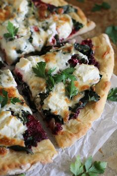 Beet Pesto Pizza with Kale and Goat Cheese #glutenfree #healthy #dinner