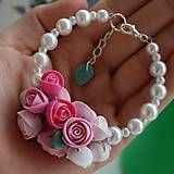 Bracelet with hand-made polymer roses