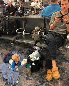 That family airport life. We are on our way back to California from Washington DC. Our vacation to see family was so priceless and memorable! Every single day was the perfect combination of relaxing sight seeing resting enjoying good food and wine and family time. The holidays are such fun with a little baby dude! I was pretty stressed before Asher's first flight (he's 6 months old) and the time change naps night sleep and night feeds. Even though he has been to 29 states these were our…