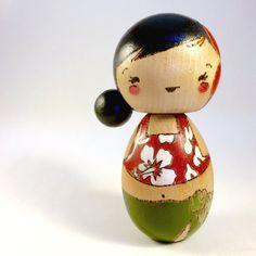 Hula Hawaiiaans meisje kokeshi, peg pop, houten pop