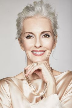 Silver Platinum Hair, Silver Hair, Grey White Hair, Gray Hair, Makeup For 50 Year Old, Grey Hair Model, Top Modeling Agencies, Amazing Grays, Older Models