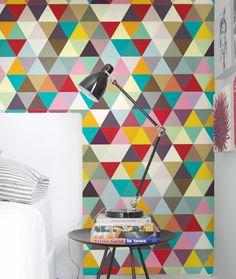 Estampado de triángulos de color. Estilo nórdico
