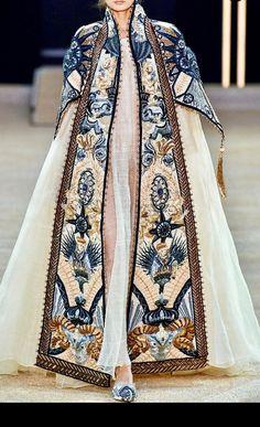Not Ordinary Fashion is art — Marchesa S/S 2017 Runway Fashion, High Fashion, Fashion Show, Fashion Outfits, Womens Fashion, Fashion Design, Fashion Fashion, Space Fashion, Fashion Ideas