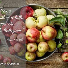 La mela per perdere peso? Ebbene sì! Perfetto spezzafame, fine pasto o alternativa al pasto, cruda o cotta, la mela è una tentazione a cui non bisogna resistere. Oscar Wilde docet! In più, essendo ricchissima di fibra, è un grande aiuto per il nostro intestino.