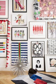Learn how to create a gallery wall like a pro at http://domino.com