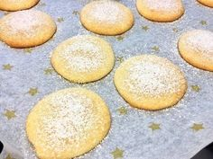 Lemon-Cheesecake-Cookies - Thermomix® - Rezept von Thermiliscious Cheesecake Cookies, Lemon Cheesecake, Oreo, Baking Recipes, Hamburger, Food, Youtube, Recipes, Treats