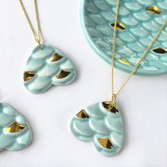 Collar de sirena - de cerámica y barro moderno oro joyería cerámica, joyería de sirena