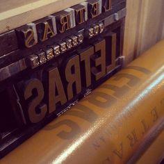 Papel Principal, Letras - desde su galería en Instagram #letterpress